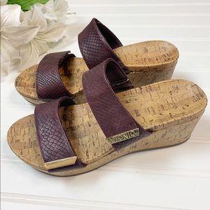 "VIONIC ""Pepper"" Leather Wedge Sandal Size 9"